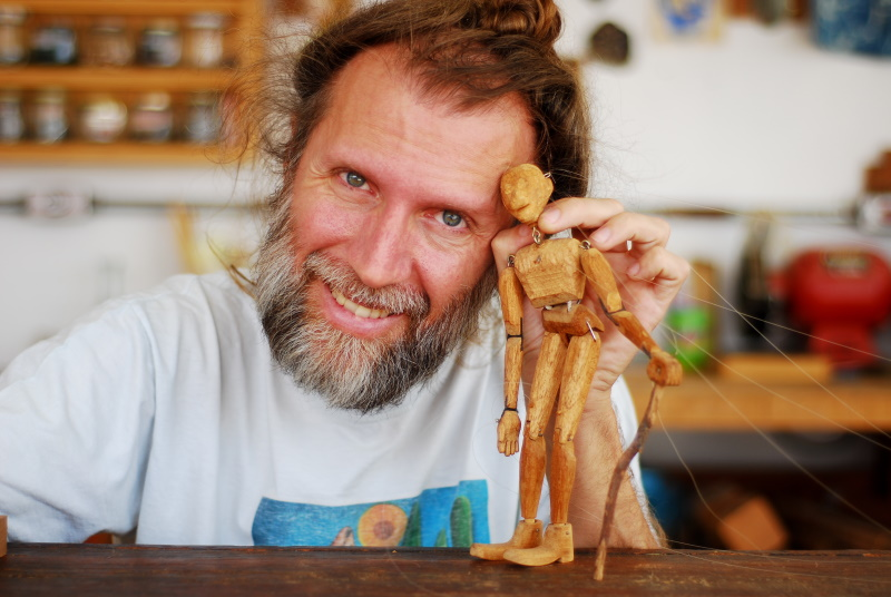 Os belos autómatos de madeira de Eduardo Salzane