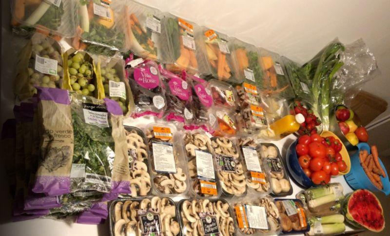 DJ denunciou colocação de comida em condições no lixo de um supermercado Pingo Doce
